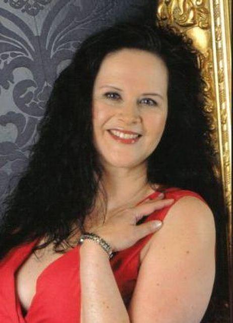 Minerale - Ich bin eine reife Geschäftsfrau mit viel Erfolg!