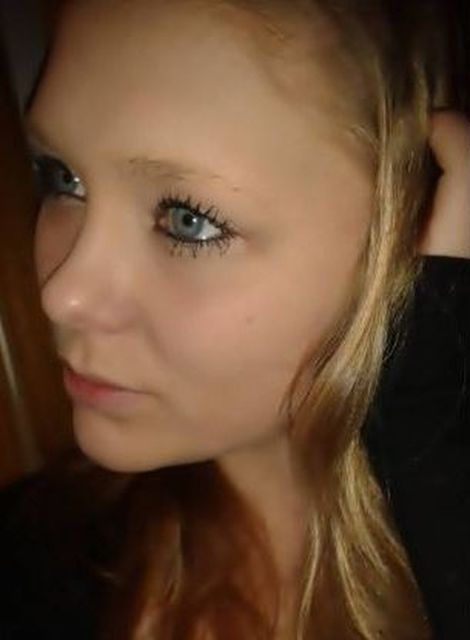 BlauBlauBlau - Blond, blaue Augen, aber schüchtern :-(