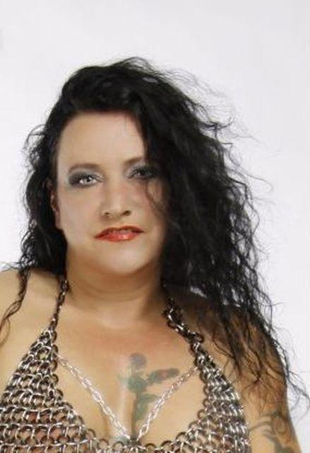 RichAndSexy52 - Reife Frau mit Vorliebe für Dessous sucht Mann!