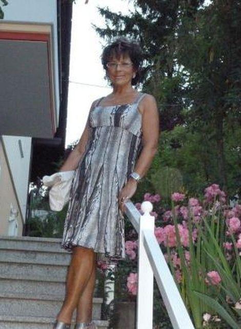 LisaReichtum - Ältere Geschäftsfrau sucht jüngeren Mann!